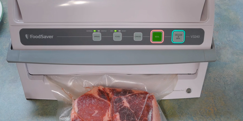 FoodSaver V3240 Vacuum Sealing System with Starter Kit in the use