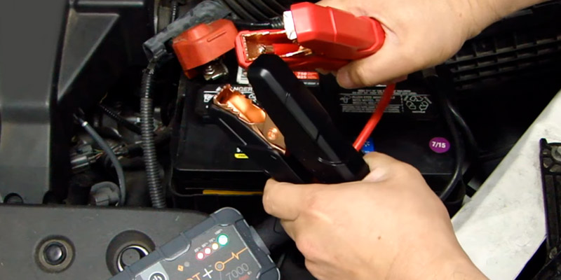 NOCO Plus GB40 1000 Amp 12V Jump Starter in the use