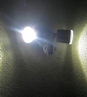 Review of Home Zone 64321 LED Motion Floodlight