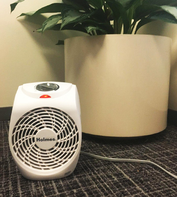 Review of Holmes HFH131-N-UM Personal Office Heater Fan