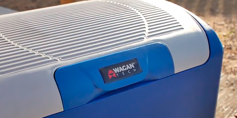 Wagan Car Cooler/Warmer in the use