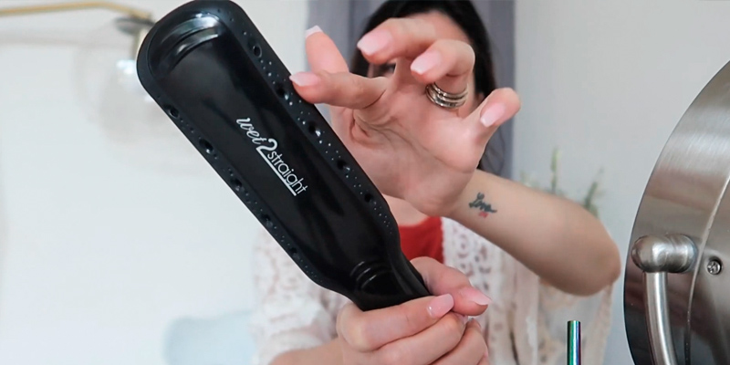 Remington Wet2Straight Flat Iron with Ceramic + Titanium Plates in the use