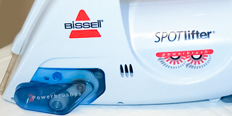 Bissell 1716B Spotlifter Powerbrush Handheld Deep Cleaner in the use