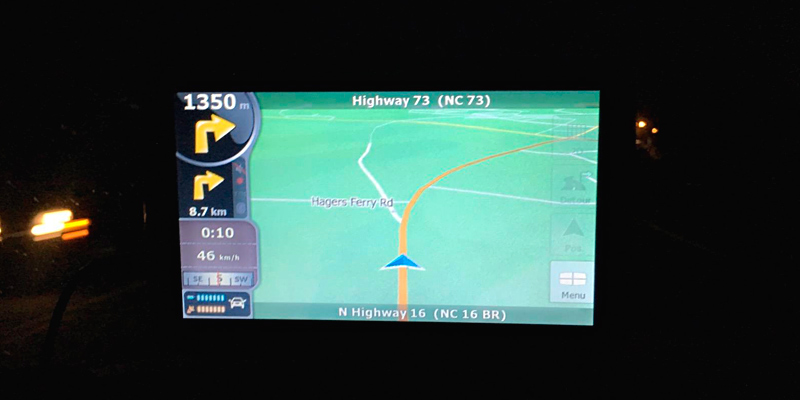 Carelove Car GPS Navigation System in the use
