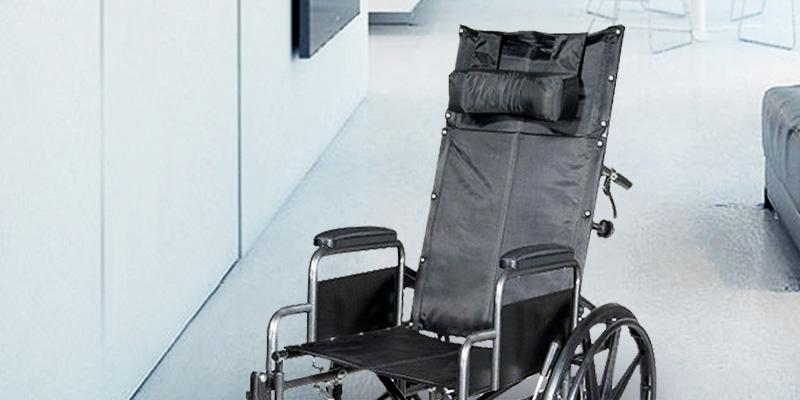 Drive Medical SSP18RBDDA Silver Sport Reclining Wheelchair in the use