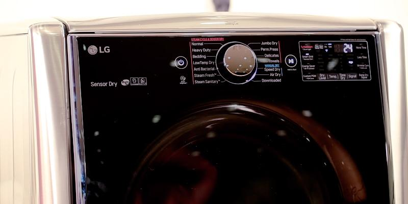 LG DLGX9001V 9.0 Cu. Ft. Steam Cycle Gas in the use