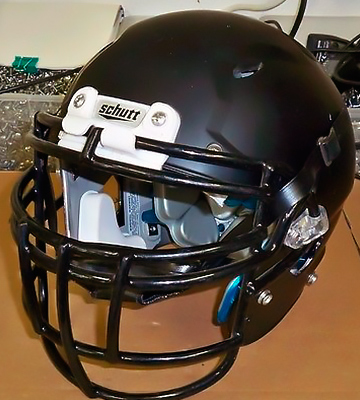 Review of Schutt Sports Vengeance VTD II Football Helmet