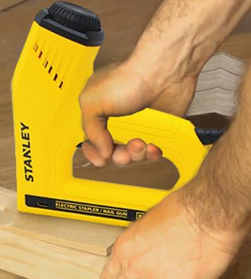 Review of Stanley TRE550 Dual Power Lever Nail Gun