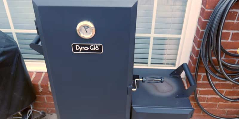Dyna-Glo DGO1176BDC-D Charcoal Offset Smoker in the use