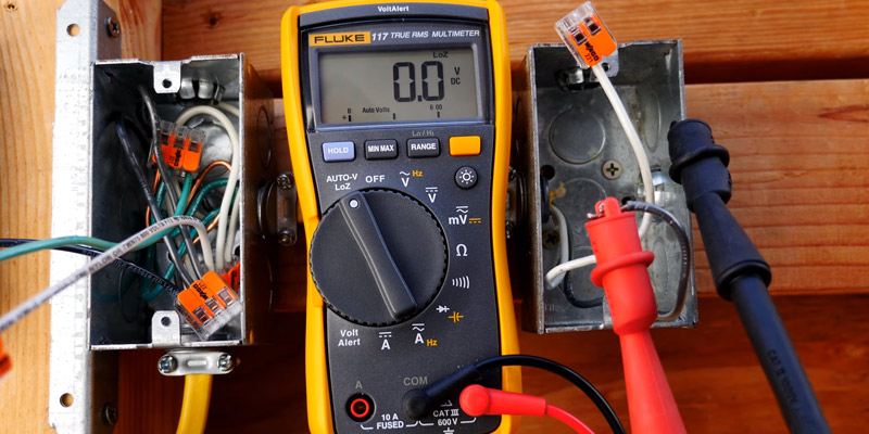 Review of Fluke 117 Electricians True RMS Multimeter
