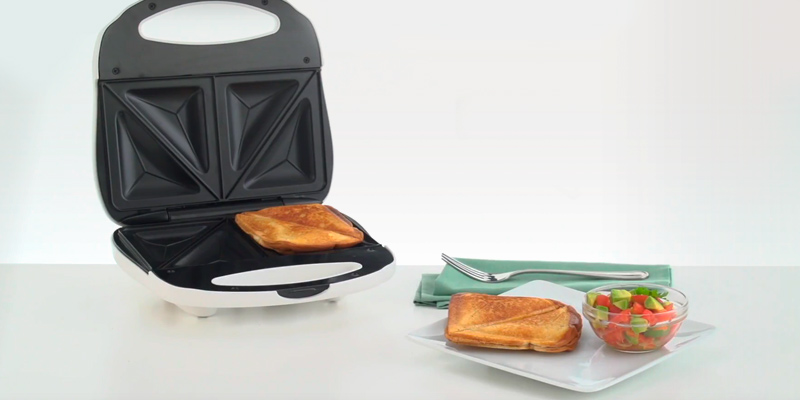 Proctor Silex 25408Y Sandwich Toaster in the use