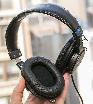 Review of Sony MDRV6 Studio Monitor Headphones with CCAW Voice Coil