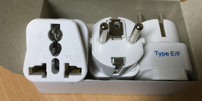 Review of Ceptics Universal Plug Adapter for Europe
