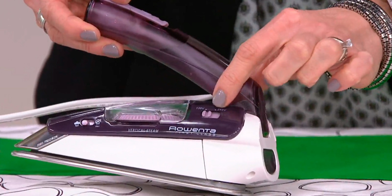 Review of Rowenta DA1560 Travel Compact Steam Iron