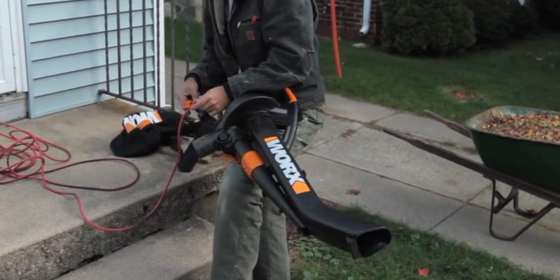 WORX WG509 Electric Vacuum in the use