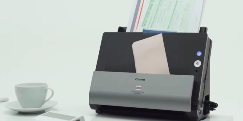 Canon DR-C225 Document Scanner in the use