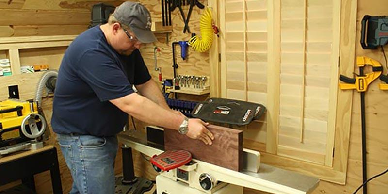 JET 708457DXK Jointer with Quick-Set Knive System in the use