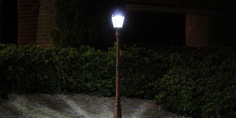 Review of Paradise GL23716BK Solar Street Lamp Post
