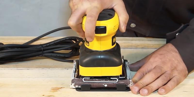 DEWALT D26441K Orbital 1/4-Sheet Sander in the use