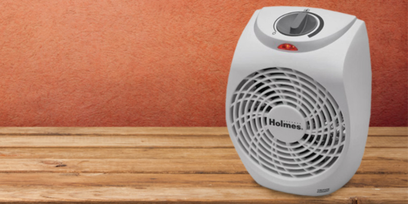 Holmes HFH131-N-UM Personal Office Heater Fan in the use