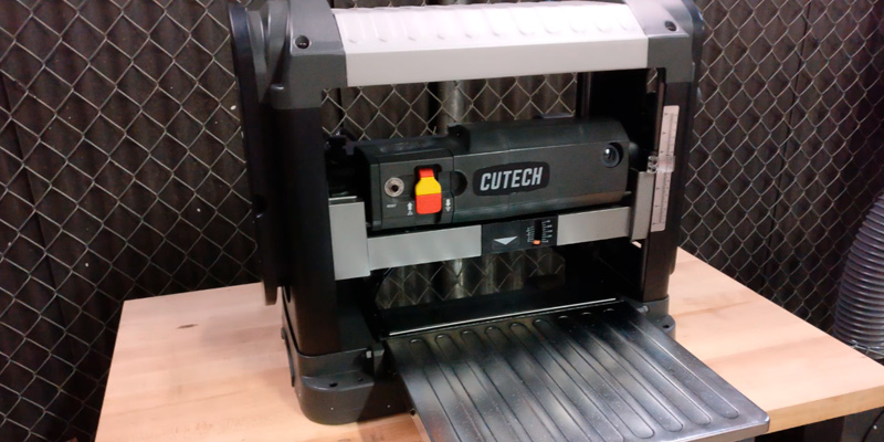 Review of Cutech 40200H-CT Spiral Cutterhead Planer