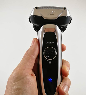 Review of Panasonic ES-LV65-S Arc5 Electric Razor with Shave Sensor Technology