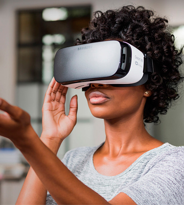 Review of Samsung Gear VR (2015) Virtual Reality Headset