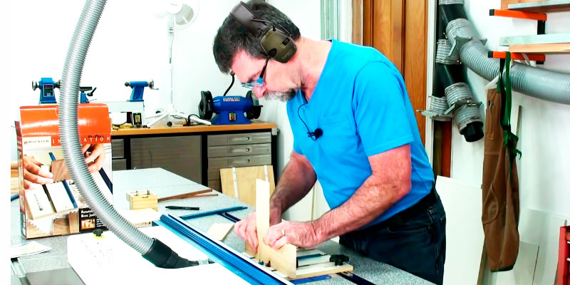 Rockler 29502 Router Table Box Joint Jig application