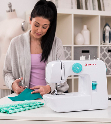 Review of SINGER 1234 Portable Sewing Machine with 6 Built-In Stitches - Fully Automatic 4-step Buttonhole
