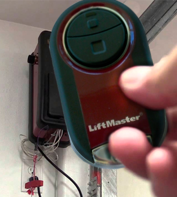 Review of LiftMaster 374UT Universal Garage Door Opener Remote
