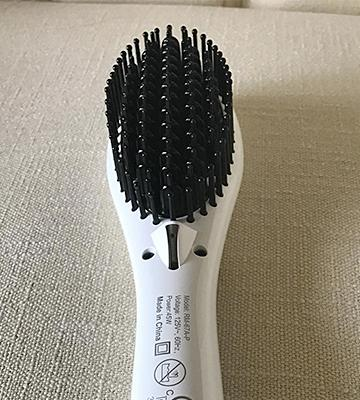 Review of Magictec Ceramic Ceramic Straightening Brush for Detangling and Silky Straight