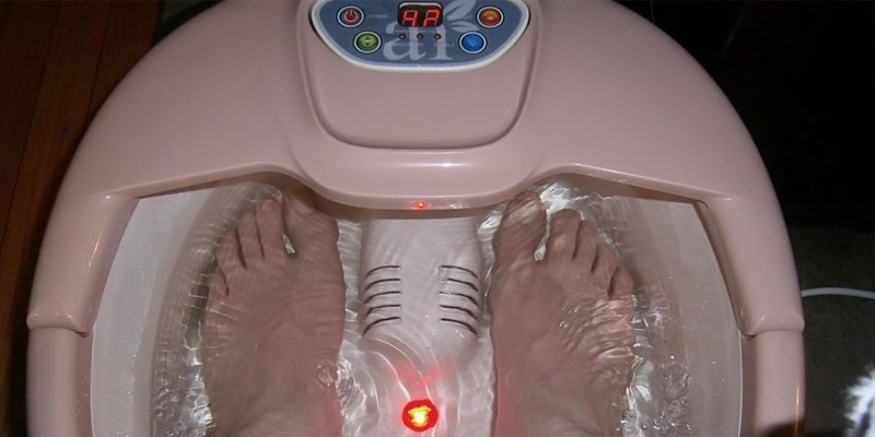Review of ArtNaturals Deluxe Foot Spa Massager With Heat Lights & Bubbles