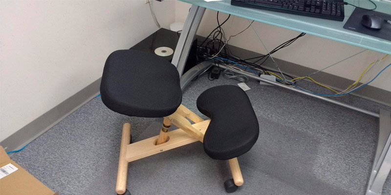 Detailed review of Flash Furniture Wooden Ergonomic Kneeling Chair