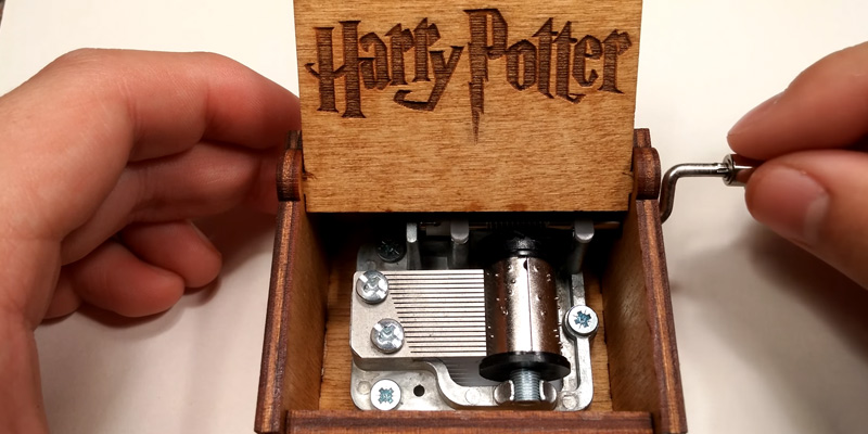 Review of Crafts Ninja Hedwig Theme Harry Potter Hand Engraved Wooden Music Box