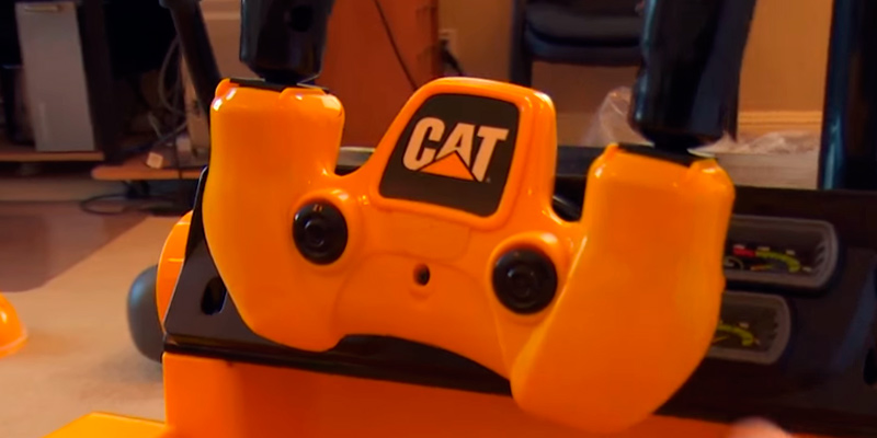 Detailed review of Kid Trax Cat KT1136 Ride On Bulldozer