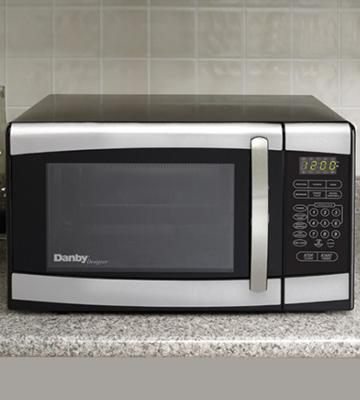 Review of Danby DMW077-BLSDD Countertop Microwave