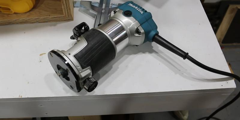 Review of Makita RT0701C Compact Router