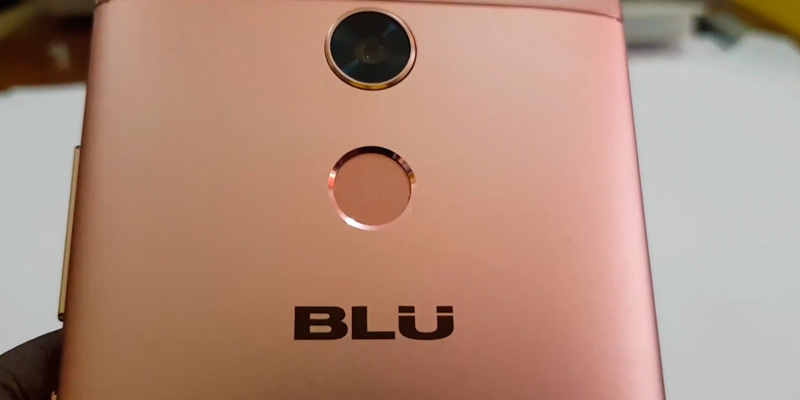 BLU R2 - 4G LTE Unlocked Smartphone in the use