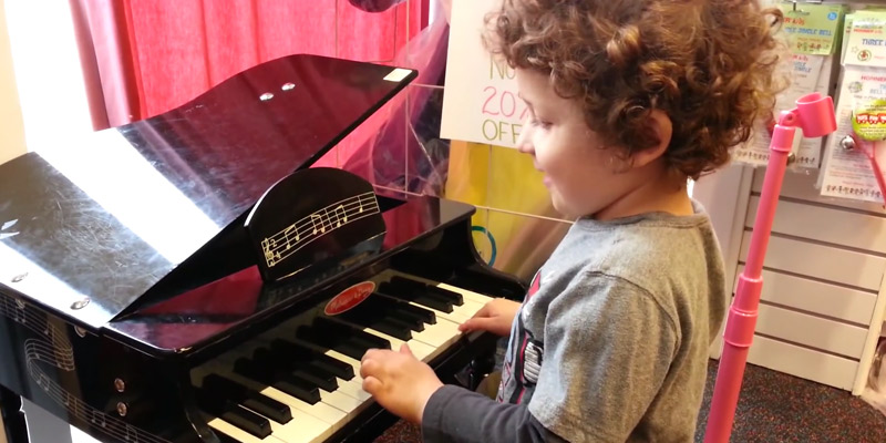 Review of Melissa & Doug Classic Grand Piano for Kids