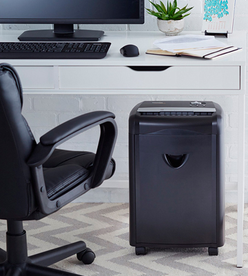 Review of AmazonBasics AU1240MA 12-Sheet Micro-Cut Paper Shredder
