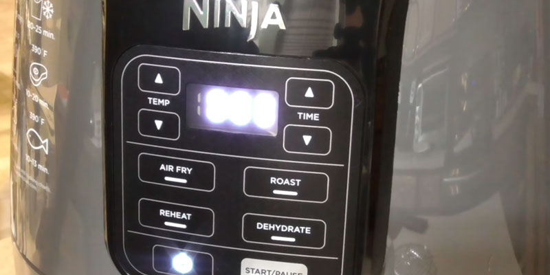 Ninja AF101 Air Fryer in the use