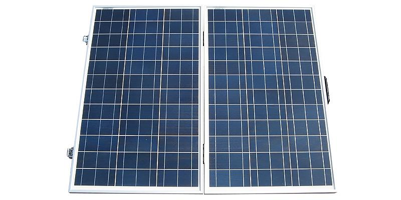 ECO-WORTHY Portable Folding Polycrystalline PV Solar Panel in the use