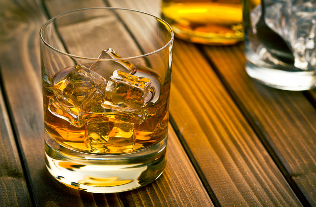 Best Whiskey Glasses for Real Whiskey Aficionados