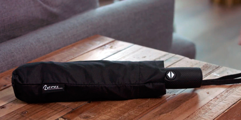 Repel 05 Windproof Travel Umbrella with Teflon Coating in the use