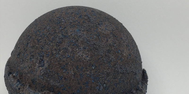 Review of Leona Kay Black Velvet Bath Bomb