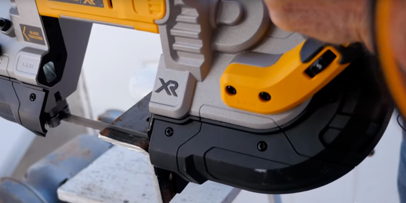Review of DEWALT DCS374B Cordless Portable Deep Cut Band Saw
