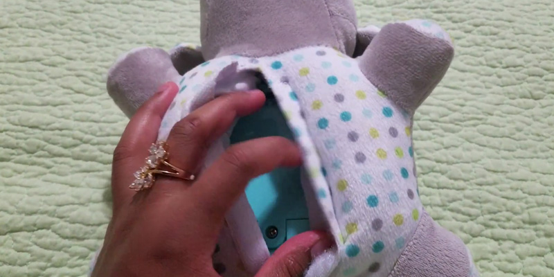 Detailed review of Summer Infant Slumber Buddies Night Lights Elephant